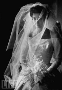 Si tu madre se casó así, ¡tienes que usar su vestido!