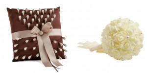Cojín y bouquet para presentar los alfileres