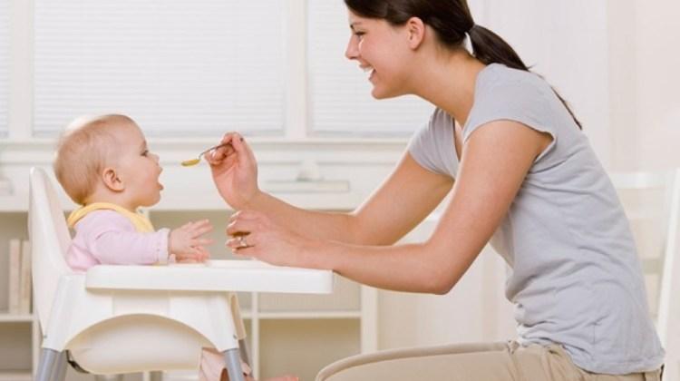Cel mai bun scaun de masă pentru bebeluși