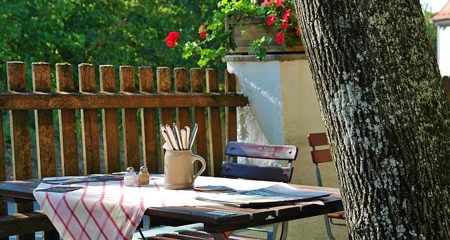 Mese pentru grădină, sfaturi și recomandări