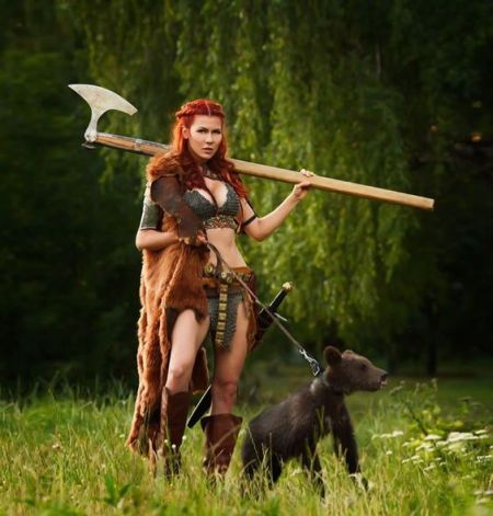 Red Sonja Cosplay Tina Rybakov