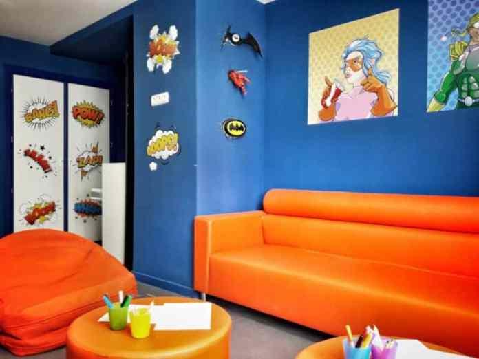 El Reina Sofía y la Fundación Juegaterapia recrean una sala de cómic para los niños en tratamiento oncológico