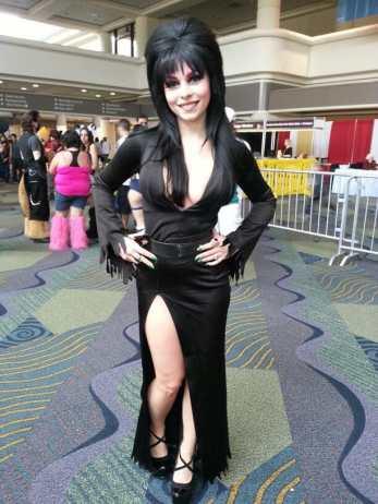 Elvira Cosplay 1