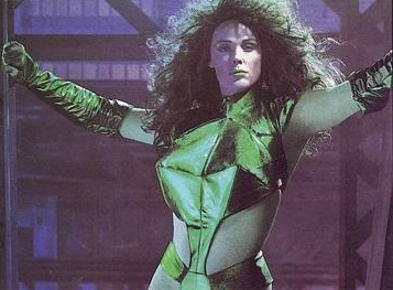 Brigitte Nielsen como Hulka (She-Hulk)
