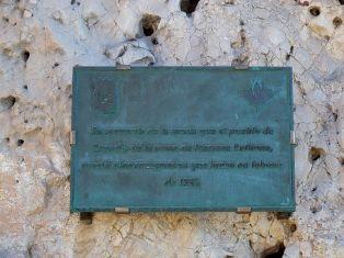 800px-Placa_conmemorativa_dedicada_a_Norman_Bethune