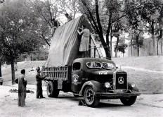 camion-militar-cedido-para-el-transporte-de-obras-del-museo-del-prado-cvc-cervantes-es