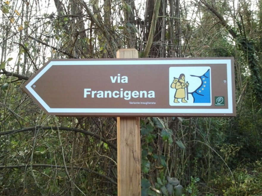 Sabato mattina, tutti in cammino sulla via Francigena dentro Roma