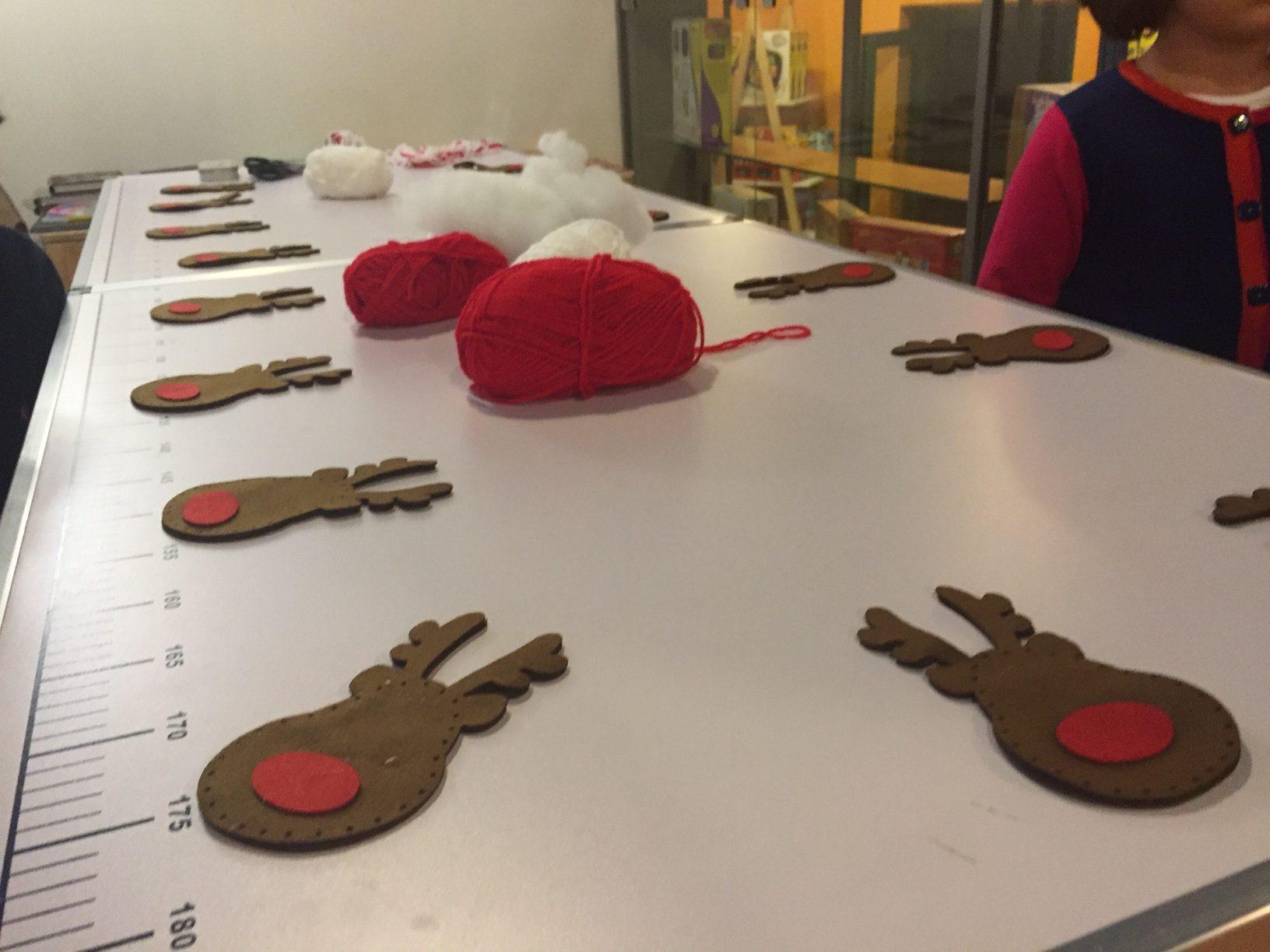 Regali di Natale: il taglia e cuci… delle storie!