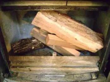 cum-fac-focul-in-soba-pe-lemne-4