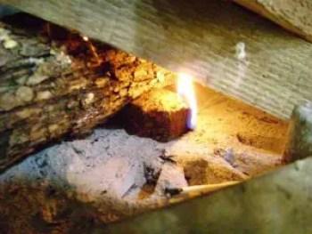 cum-fac-focul-in-soba-pe-lemne-7
