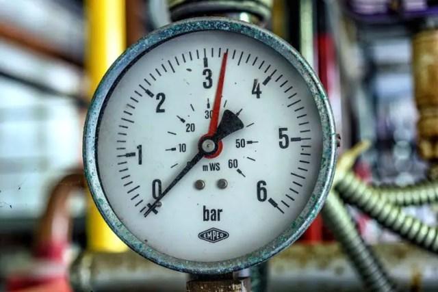 manometru centrala scade presiunea