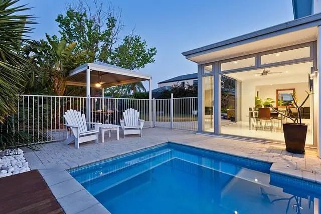 pompa de piscina si filtru de piscina