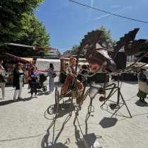 escultura de caballos y carro (2)