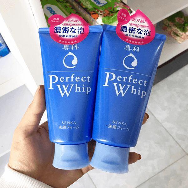 Các loại sữa rửa mặt tốt cho da dầu nhờn perfect whip