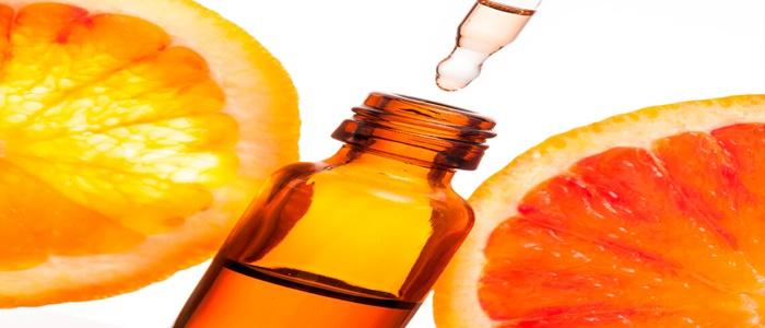 Có nên dùng serum vitamin C để chăm sóc da