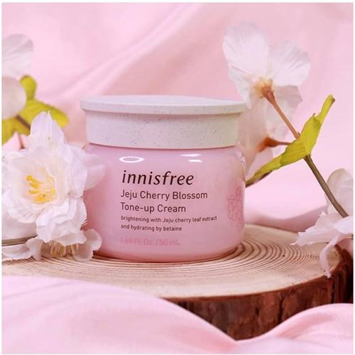 kem dưỡng trắng da mặt giá dưới 100k Innisfree Jeju Cherry Blossom