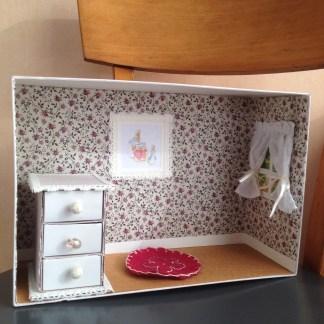 Bricolage petite maison en carton