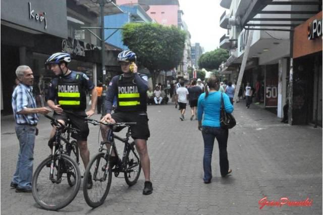 La avenida Central de San Jose de Costa Rica está llena de vitalidad y comercio. Blog Viajes Costa Rica, San José