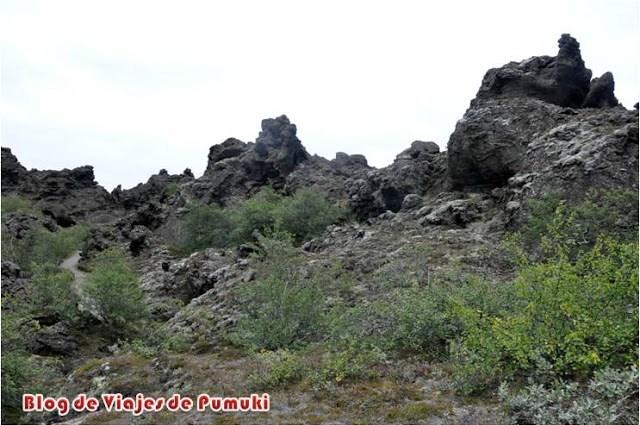 Formaciones de lava en Dimmuborgir, Islandia