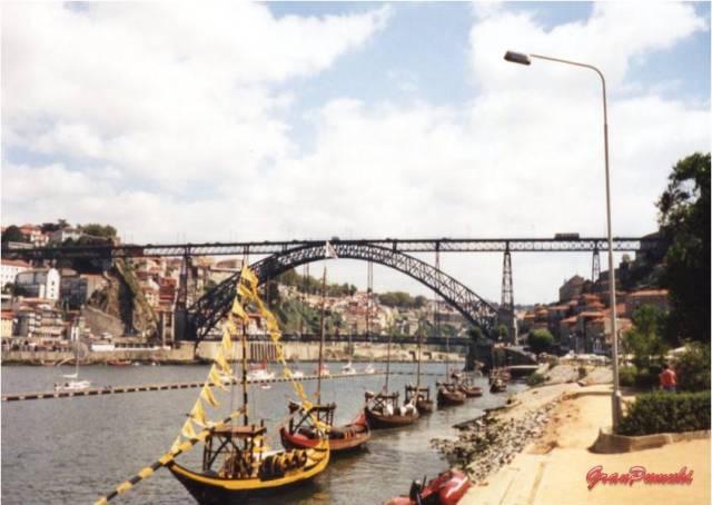 La influencia de eifel está presente n varios de los puentes Que cruzan el río Duero en Oporto. En Blog de Viajes, Eiffel, Oporto