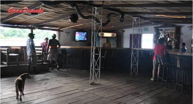 Interior de la Discoteca en el pueblo de Tortuguero. En Blog de Viajes, Costa Rica