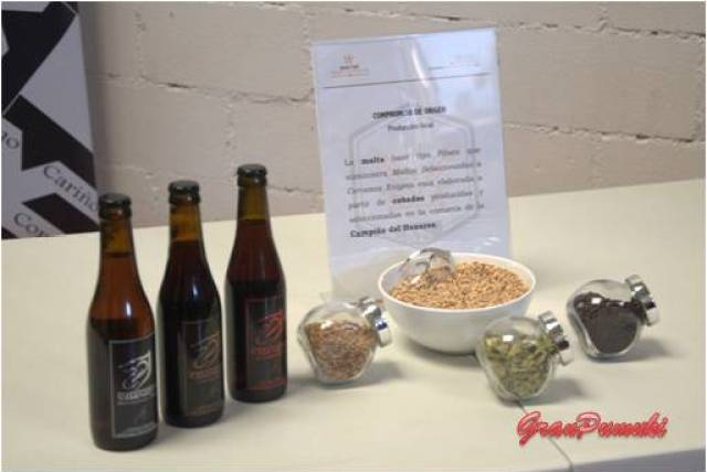 Las tres variedades de cerveza Enigma y los 3 tipos de grano con diferentes tostados.