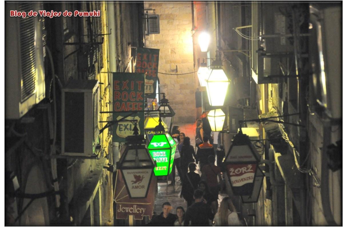 Ambiente nocturno de Dubrovnik