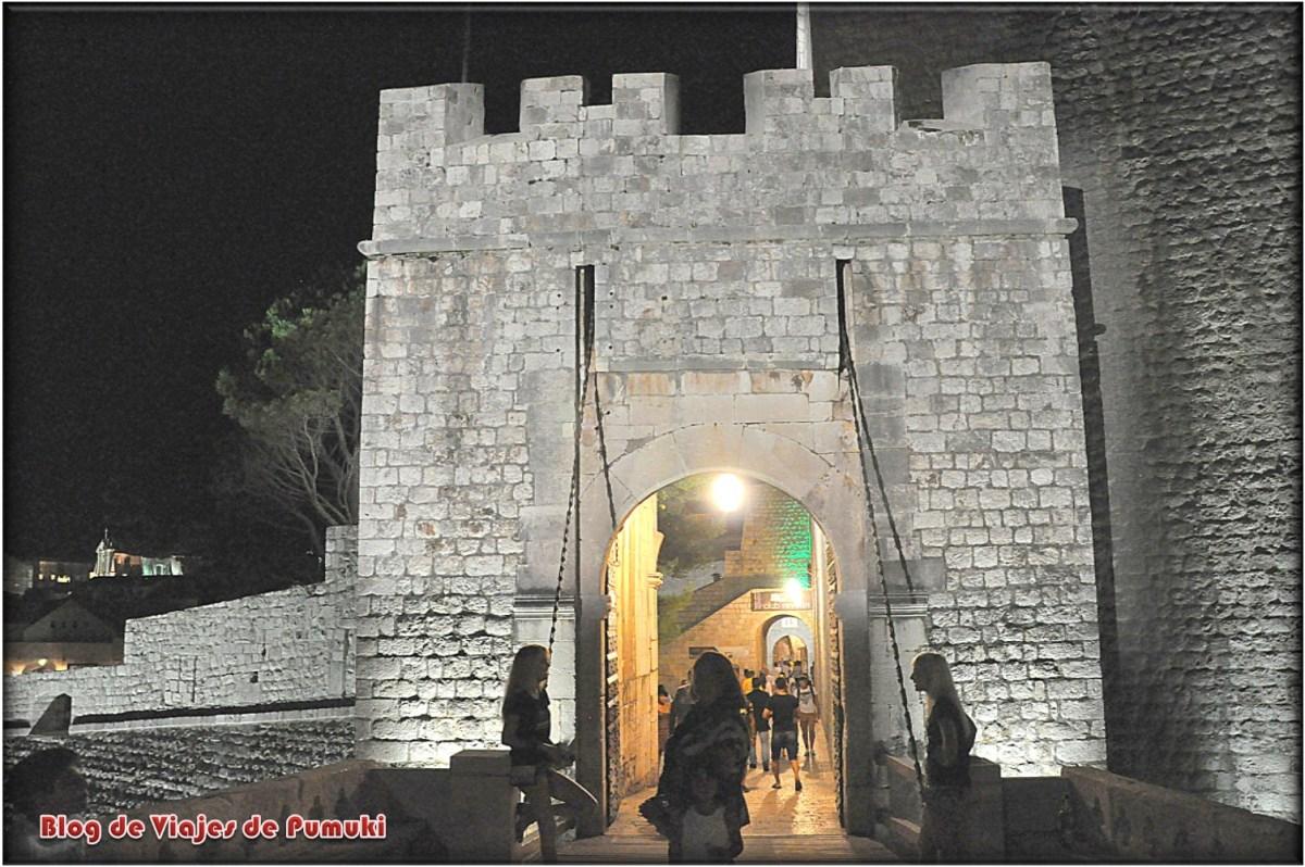 Puerta de Ploce en las Murallas de Dubrovnik