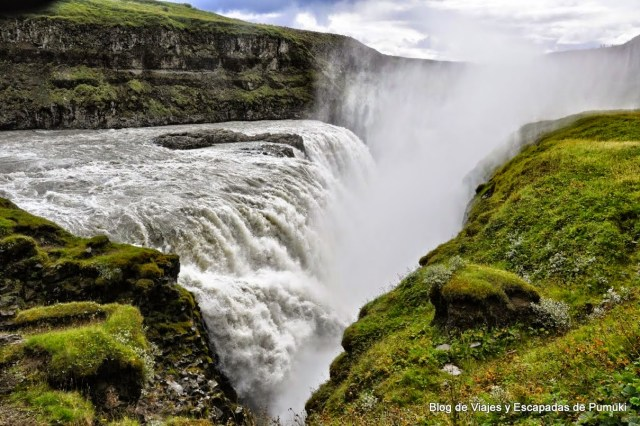 caída en grieta de la cascada Gullfoss