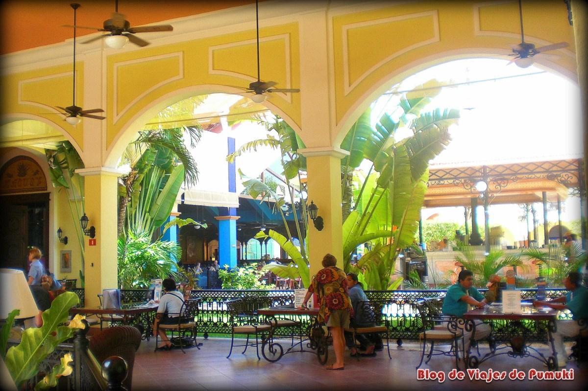 Aquí puedes ver el Hall del hotel en playa del Carmen, Mexico