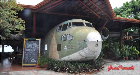 Restaurante Avion Manuel Antonio