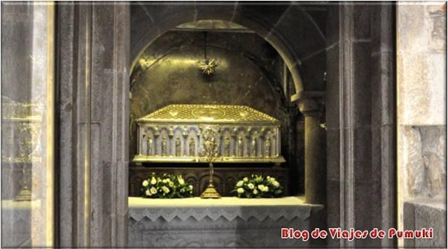 La tumba del Apostol Santiiago se encuentra bajo el altar mayor de la Catedral de Santiago