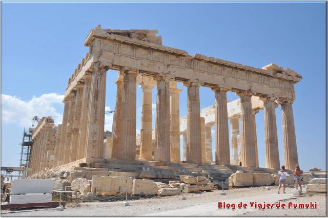 El Partenón domina en lo alto de la Acrópolis de Atenas