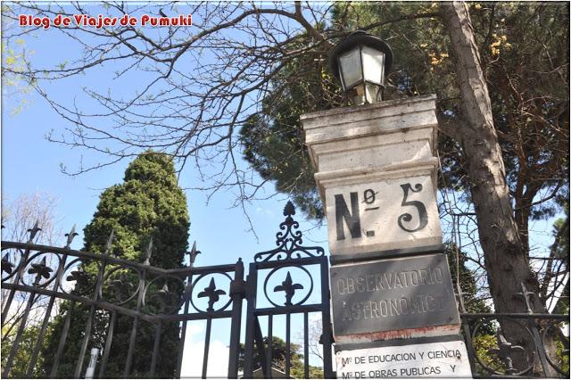 Entrada del Observatorio Astronómico de Madrid, un tesoro escondido en el parque del Retiro