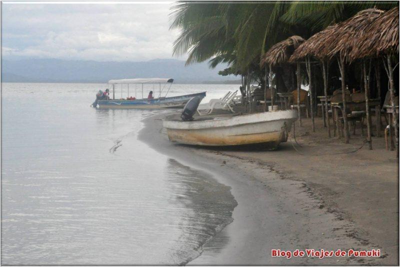 Barcas en Bocas del Toro, Panamá