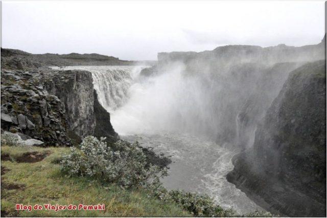 Cascada Detifoss, la cascada mas caudalosa de Islandia