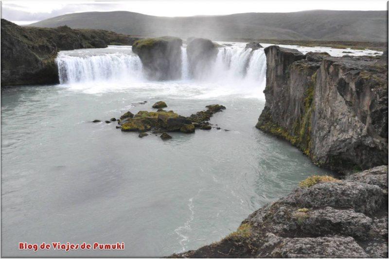 Cascada Godafoss o de los Dioses, Islandia