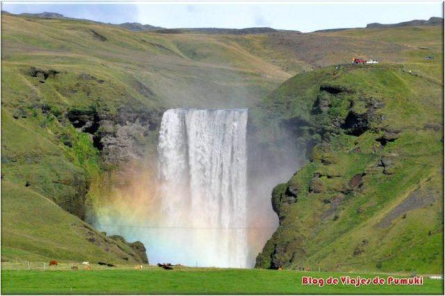 Cascadas Skogafossm con arcoiris, Islandia