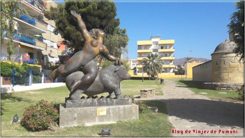 """Escultura """"El Rapto de Europa"""", Rincón de la Victoria"""