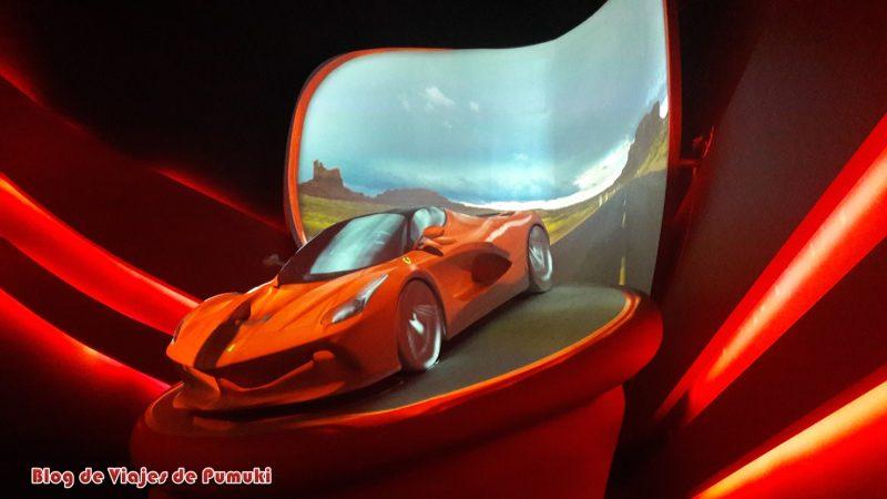 Proyección durante la espera del Simulador Flying Dreams