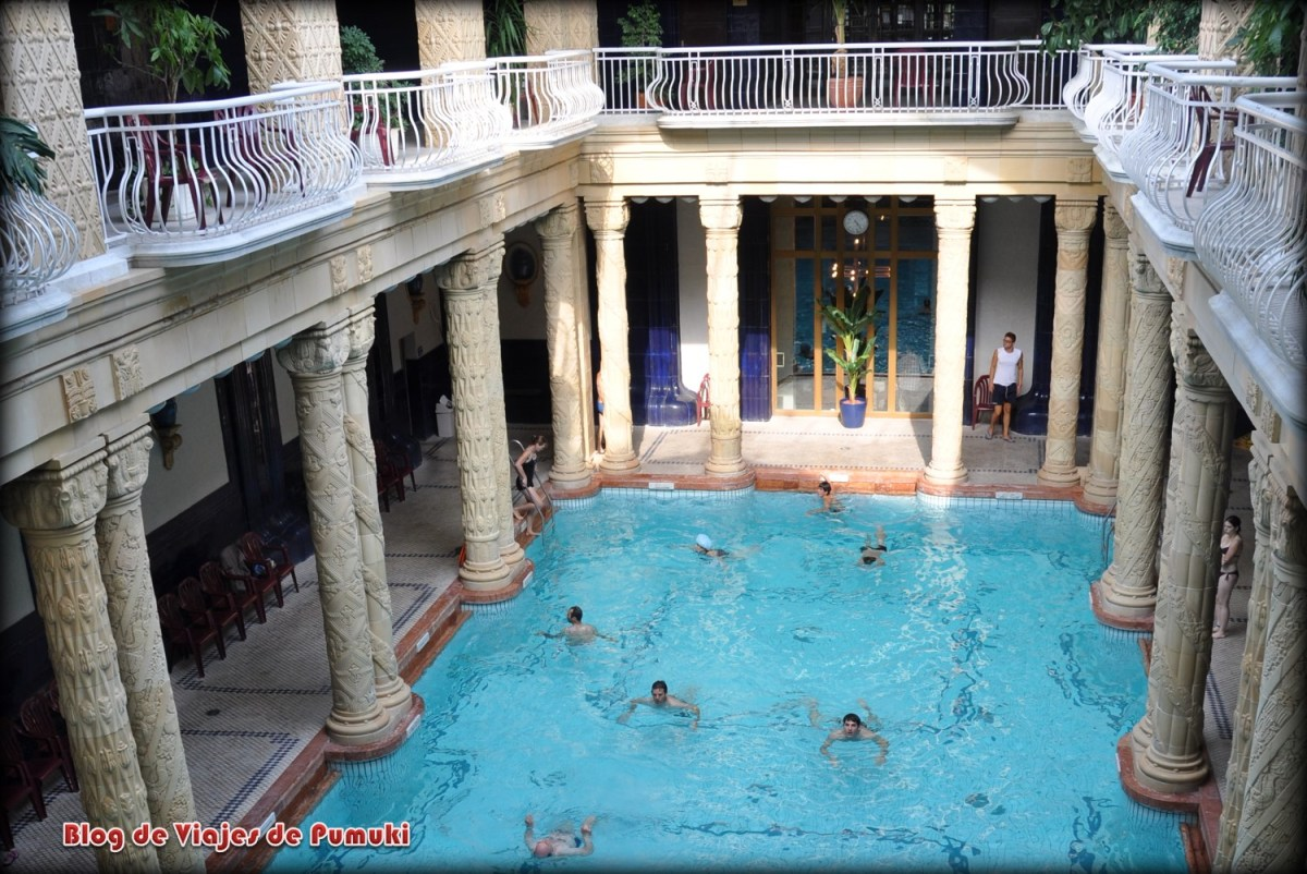 Piscina de columnas del balneario Gellert, Budapest