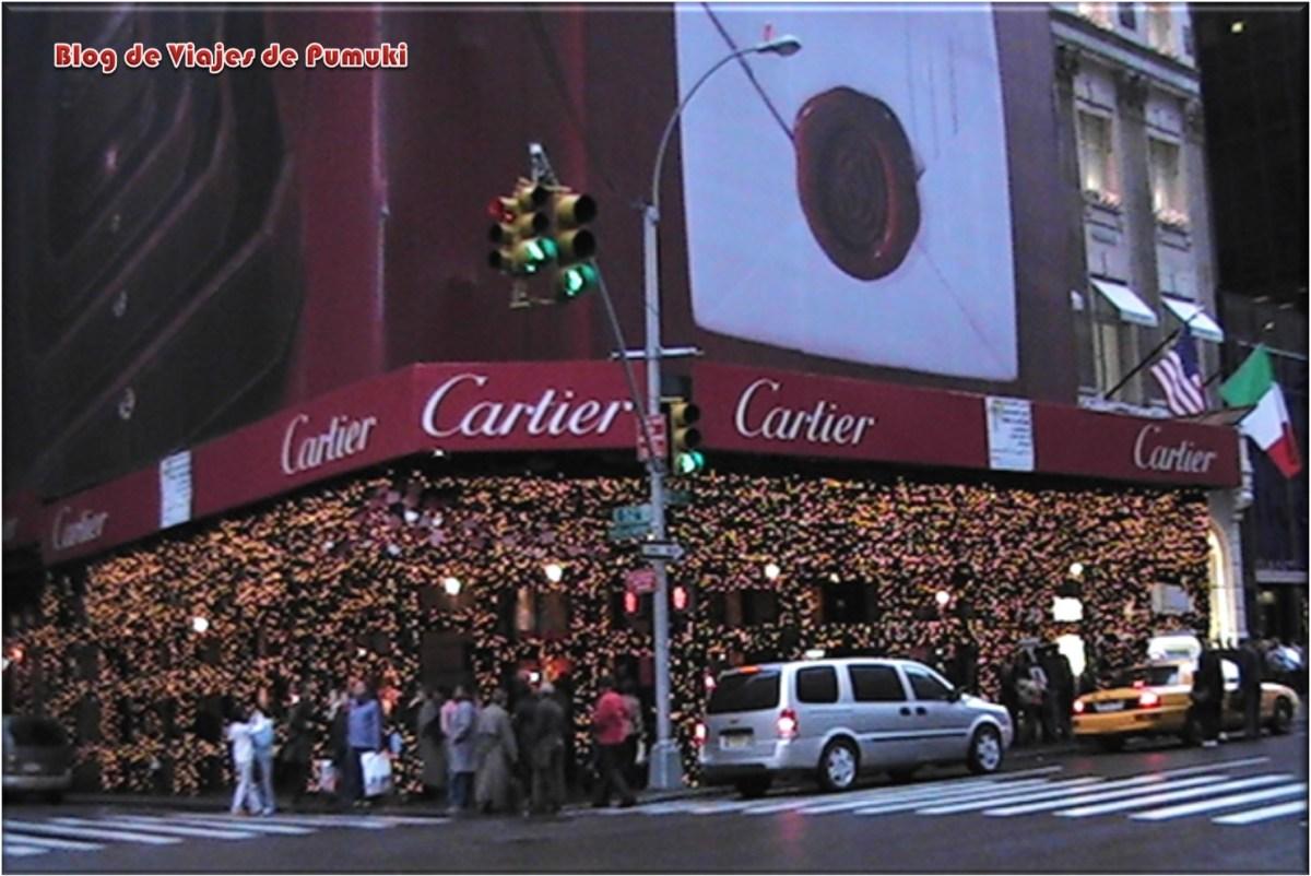 Tienda en la Quinta Avenidad de Nueva York en Navidad