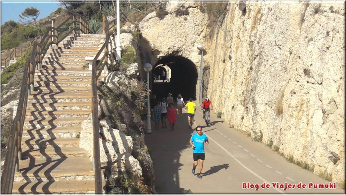 Paseando por los túneles del Rincón de la Victoria