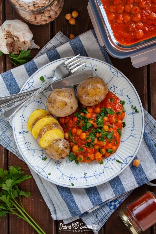 ciecierzyca w sosie pomidorowo-orzechowym