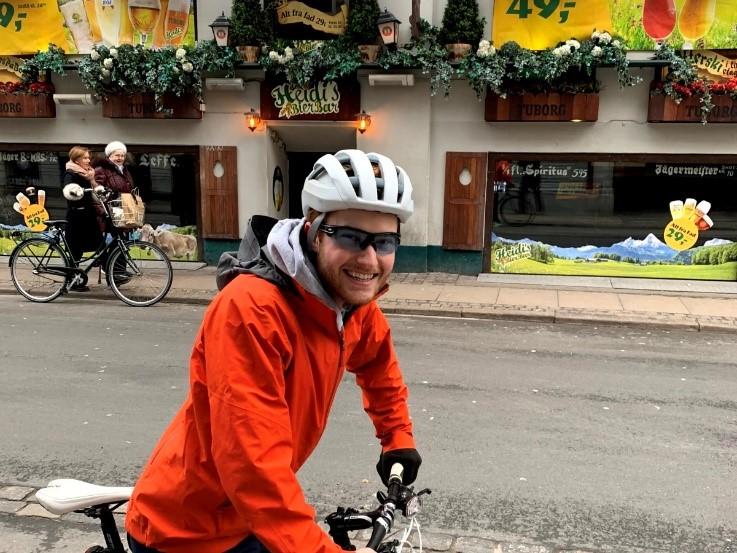 Andrew på cykel i København