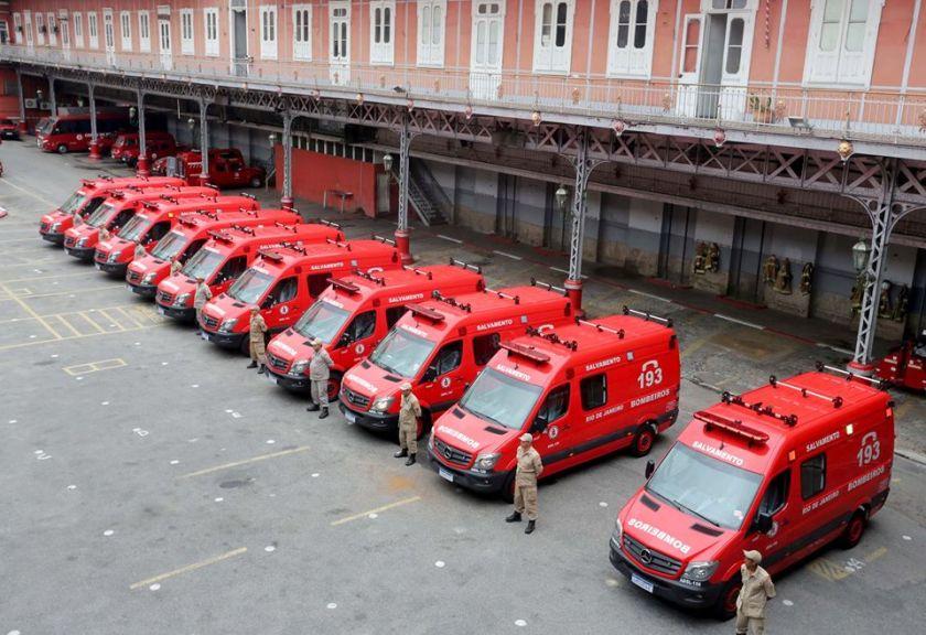 Governador do RJ convoca 538 bombeiros para retornarem aos quartéis