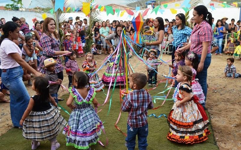 Escolas Municipais de Santa Cruz do Capibaribe se preparam para o São João
