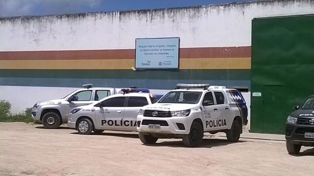 Internos fogem do Case Caruaru durante partida de futebol na unidade