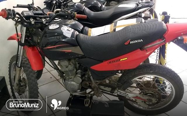 Jovem é preso com motocicleta roubada em Santa Cruz do Capibaribe