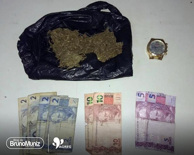Jovens são apreendidos por tráfico de drogas em Toritama